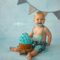 Cake Smash fotoshoot Roosendaal regio Breda Bergen op Zoom