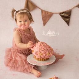 Fotograaf Roosendaal Cake Smash fotoshoot Breda Oudenbosch