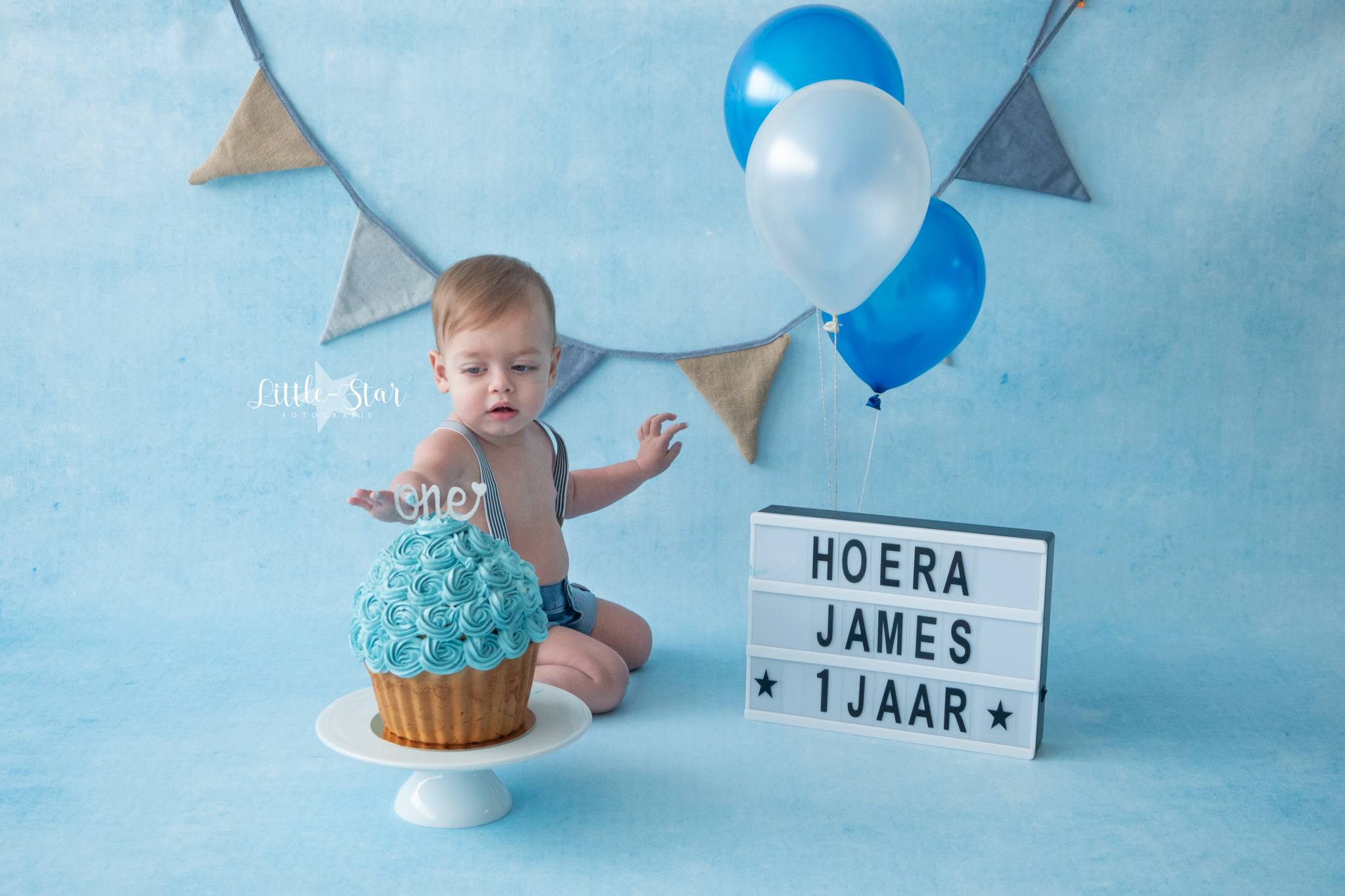 Nieuw Cake Smash fotoshoot fotograaf Roosendaal Breda Oudenbosch baby FW-64