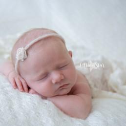 Pasgeboren baby fotoshoot Roosendaal Sofie (1 of 10) (10)