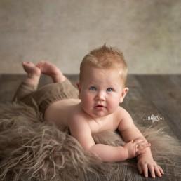 Baby fotoshoot Kai fotograaf Roosendaal regio Breda, Bergen op Zoom