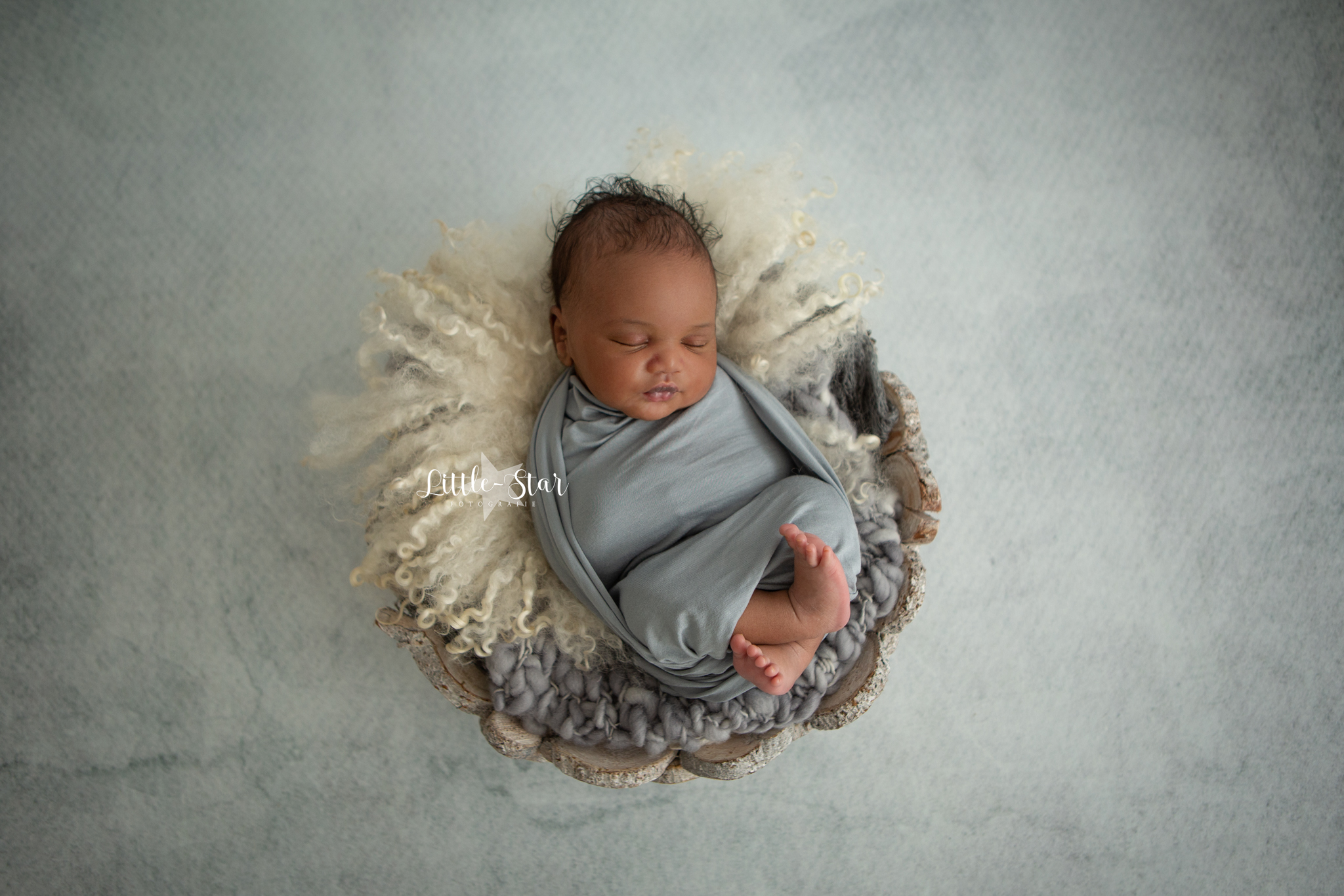 newborn shoot Roosendaal Breda Youssef (2 of 13)