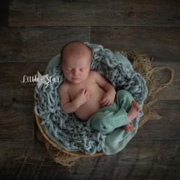 pasgeboren baby fotoshoot Brabant Roosendaal (3 of 9)